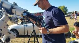 Adjusting telescopes and live camera
