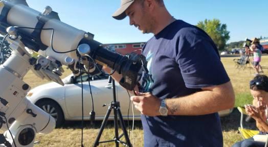 Adjusting telescopes and live camera